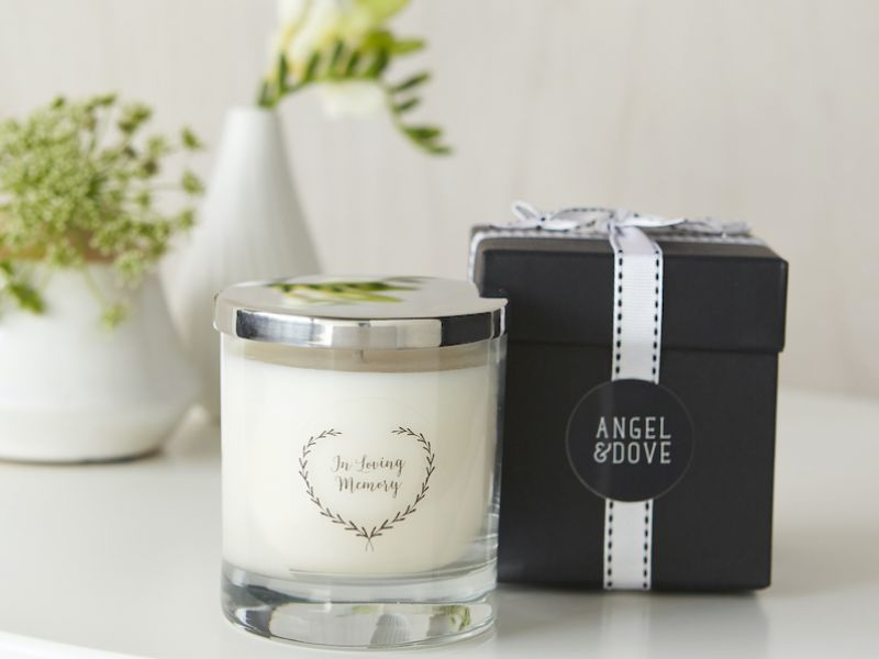 Candle with mirrored lid and gift box.