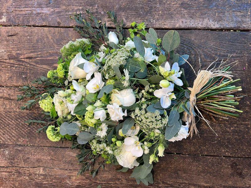 oak urn